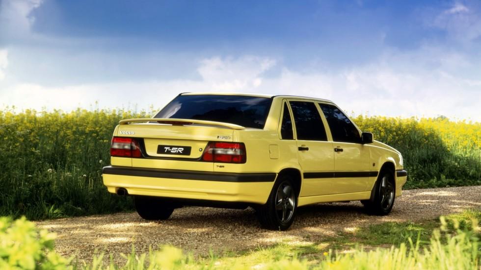 На фото: Volvo 850 T5 R