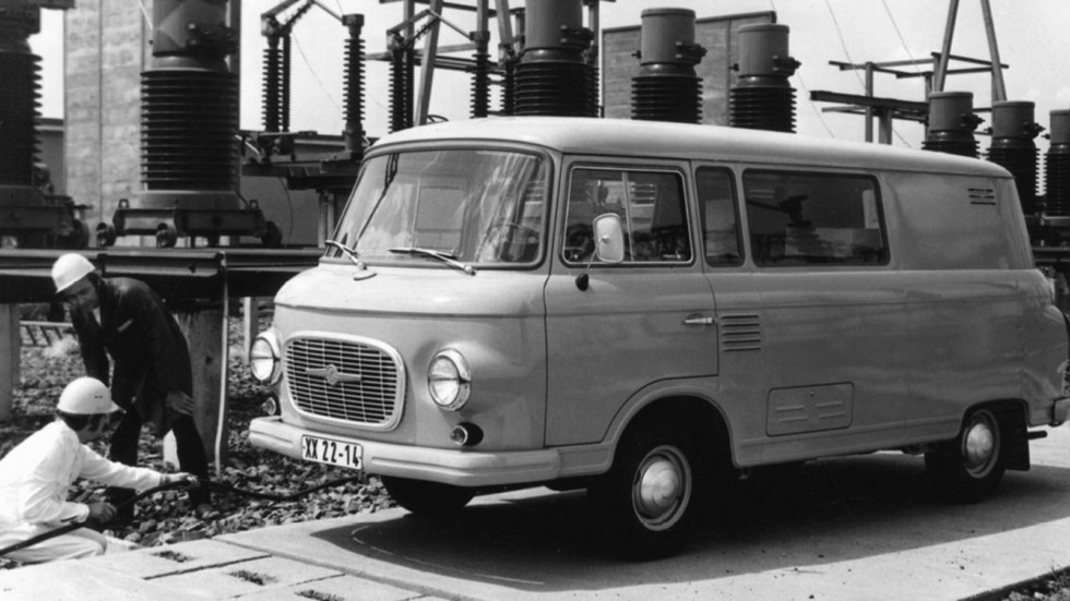 За годы выпуска автомобиль сохранил свою характерную внешность с минимальными изменениями