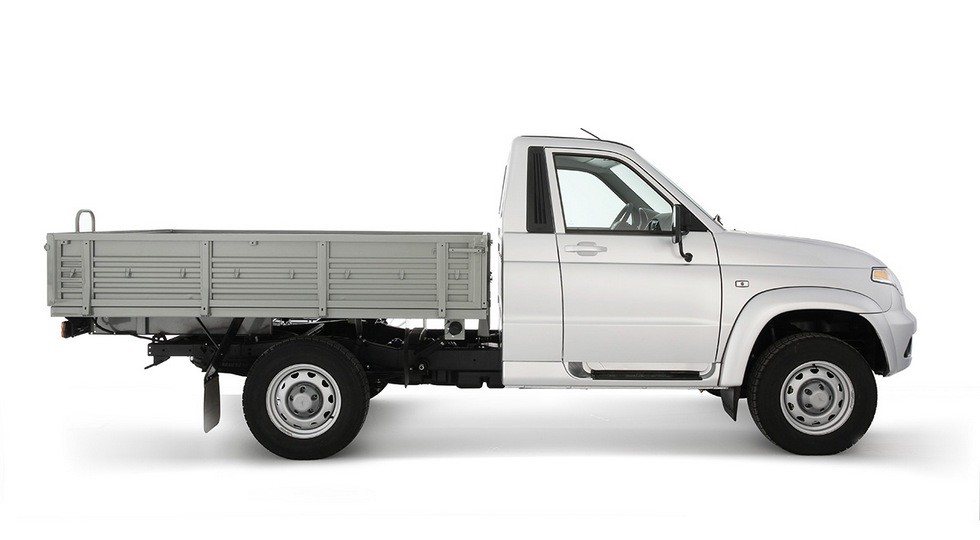 УАЗ назвал цены на улучшенный грузовичок «Карго»