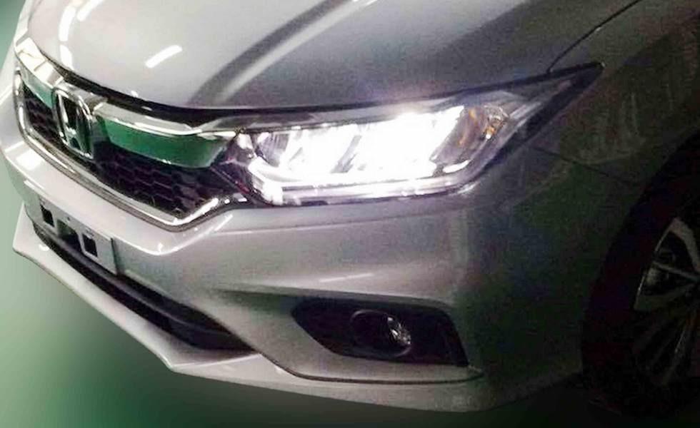 Обновленный седан Honda City показался на живых фото
