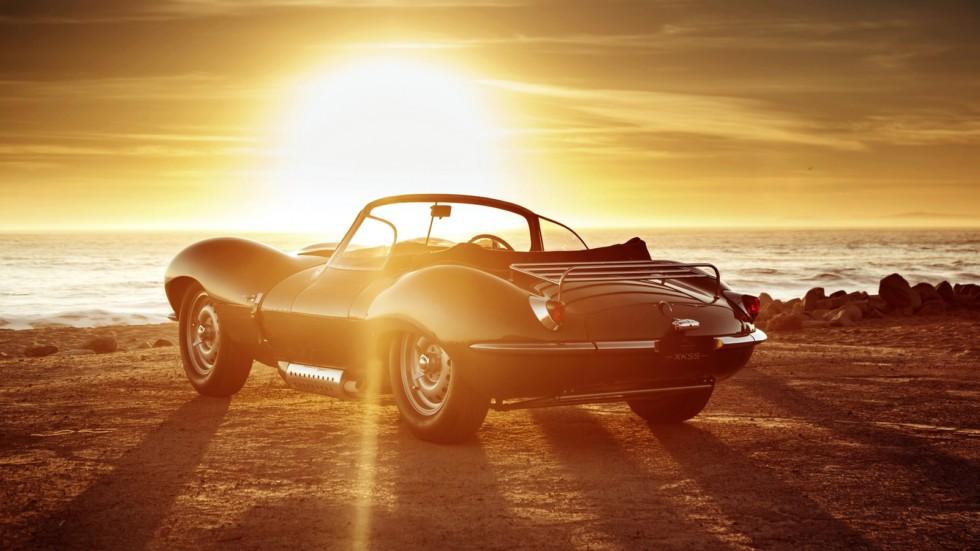 На фото: Jaguar XKSS Continuation