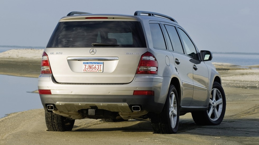 На фото: Mercedes-Benz GL 320 BlueTec (X164) '2008–09