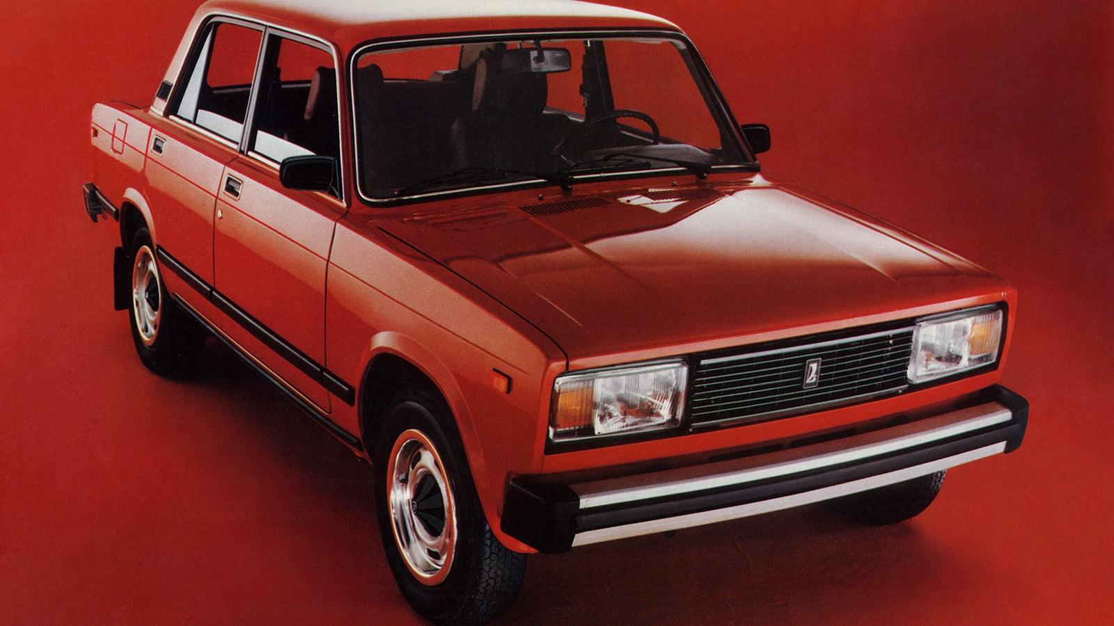 Экспорт автомобилей Lada рухнул почти наполовину