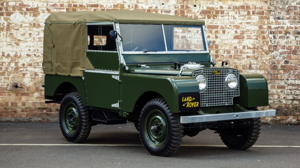 На фото: Land Rover Series I 80 Soft Top