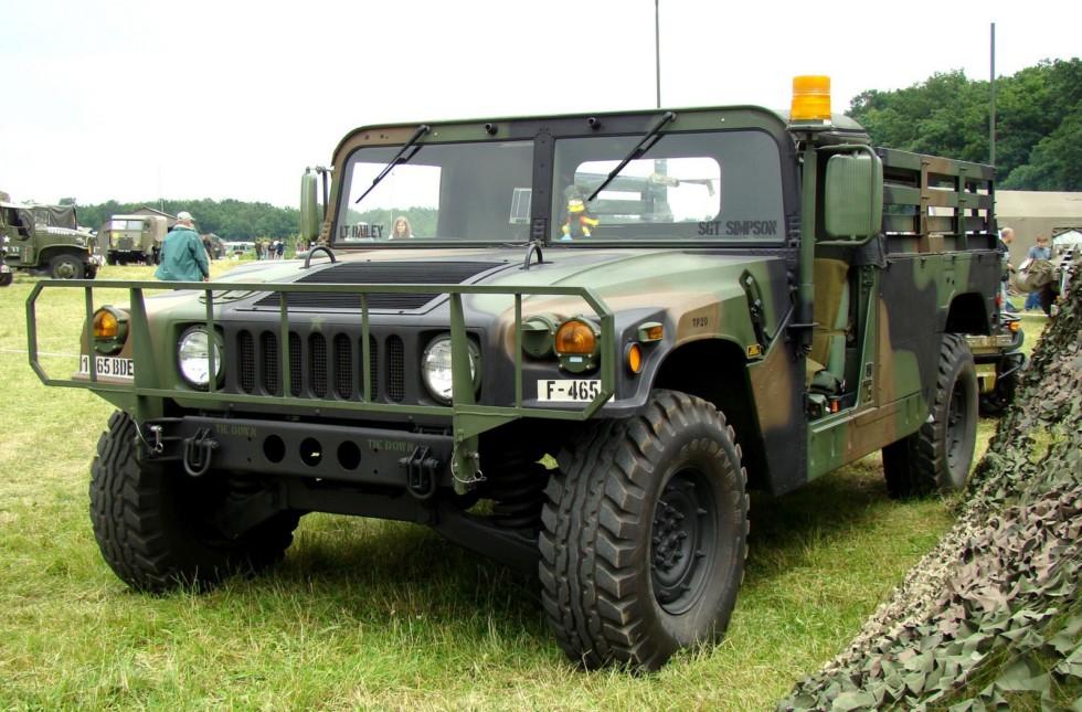 Серийный открытый транспортер личного состава M998 (фото автора)