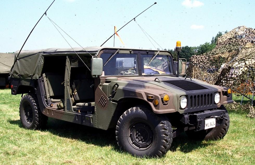 Серийный многоцелевой 130-сильный автомобиль M1038 (фото автора)