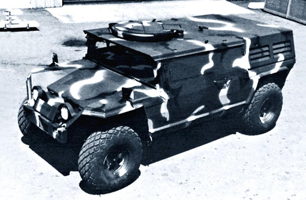 Первая бронированная боевая машина ХМ966 компании AM General. 1979 год