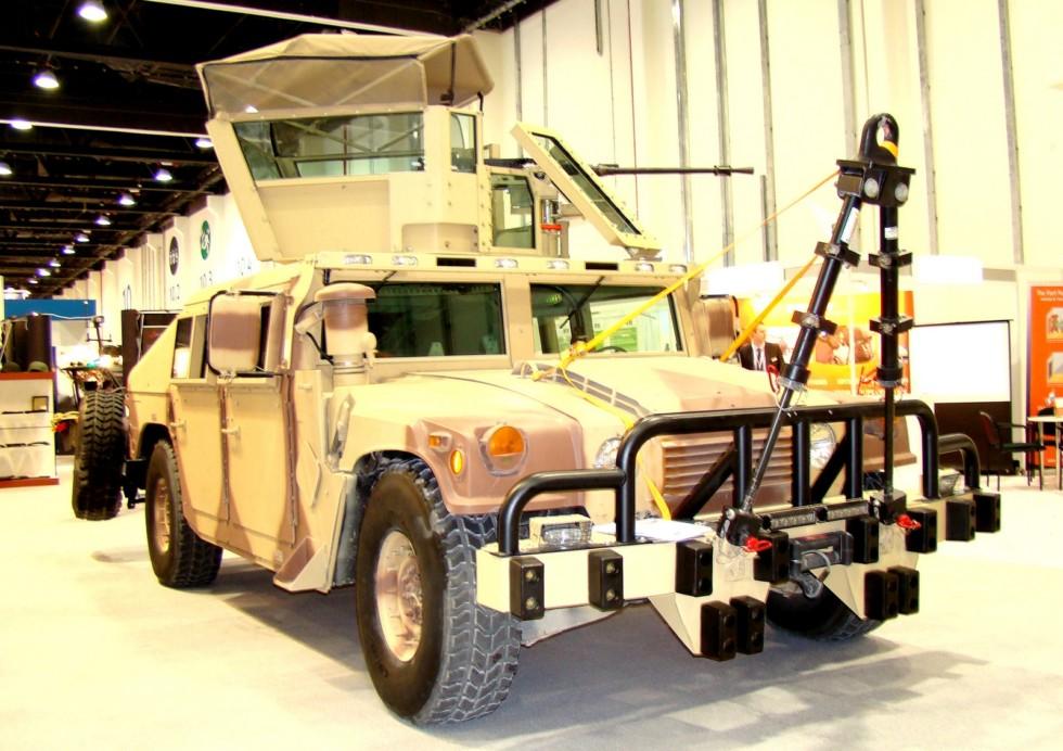Машина М1165 в «навороченном» варианте американской фирмы Ibis Tek (фото автора)