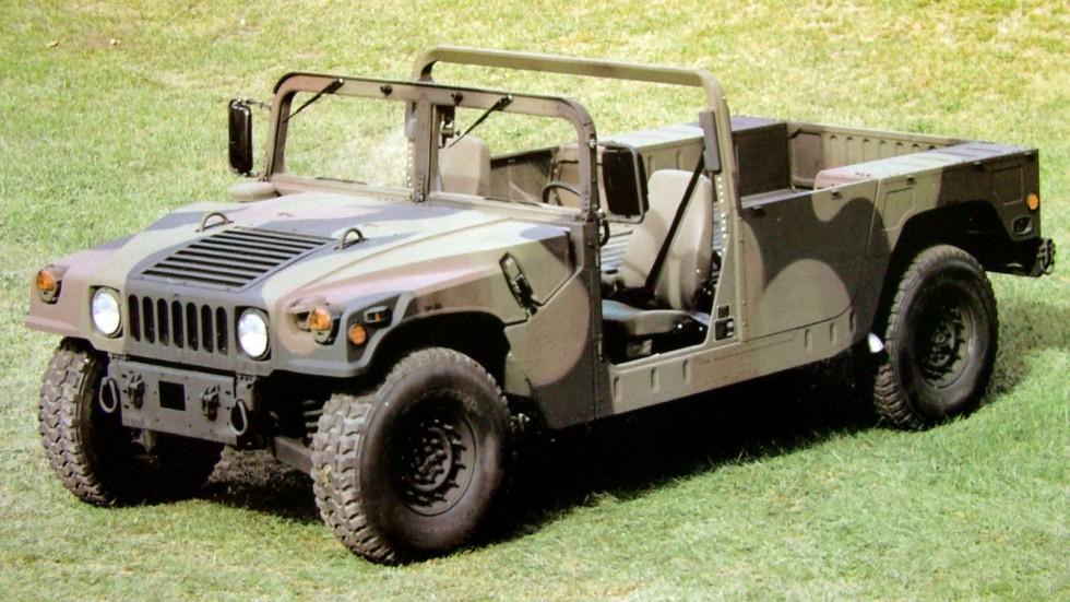 Базовый 160-сильнаый автомобиль М-1097А2 второго поколения с лебедкой
