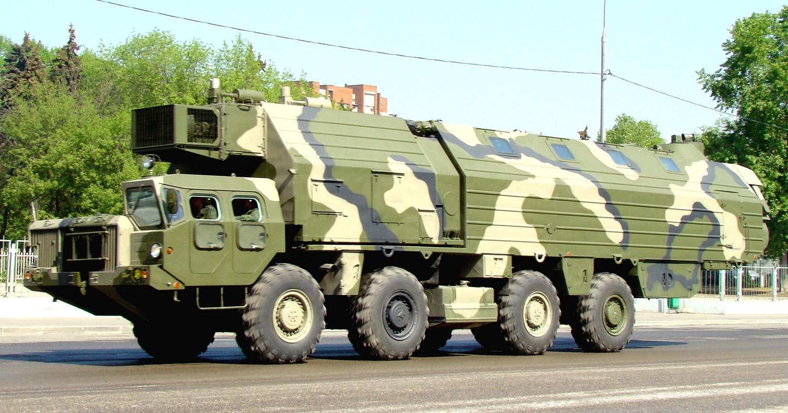 МАЗ - 543, Технические Характеристики, Кабина и Двигатель Автомобиля