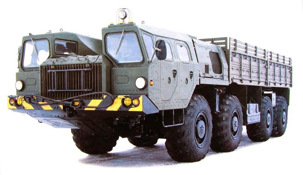 Модернизированный грузовой автомобиль МАЗ-7313 (фото В/О «Автоэкспорт»)