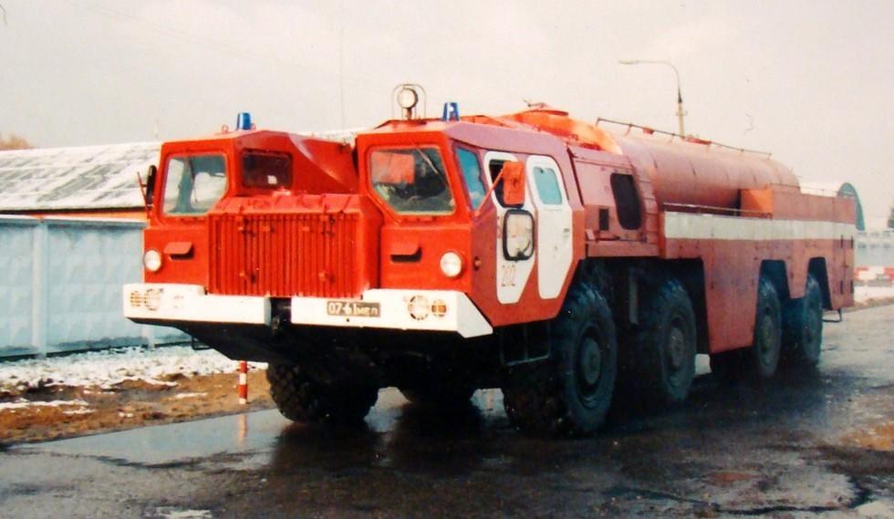Пожарная машина АА-60 (7313)-160.01 без лафетного ствола на полигоне МВД (фото автора)