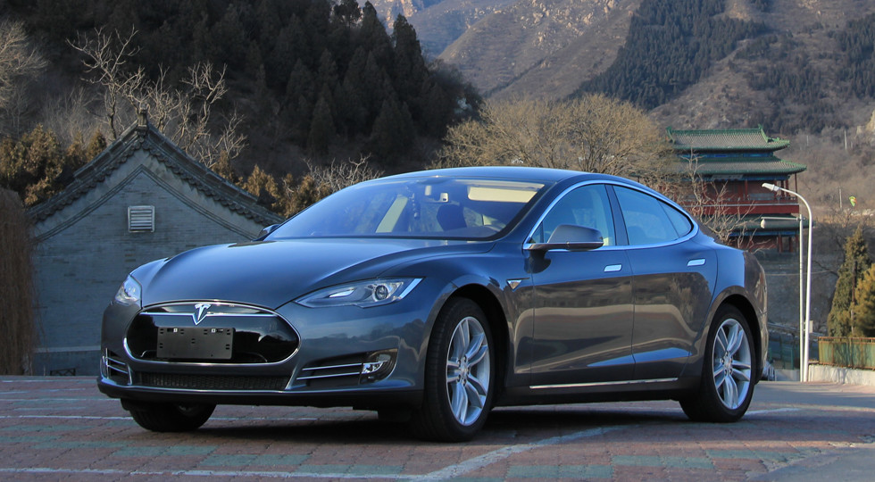 Замедленный разгон Тесла заплатит норвежцам по $7,7 тыс.