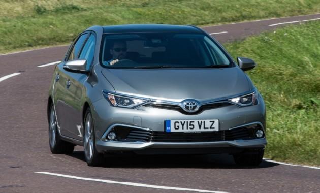 Тойота представила обновлённые модели Auris иVerso