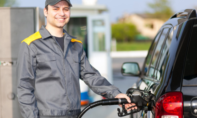 Экспорт топлива «толкает» цены набензин идизель