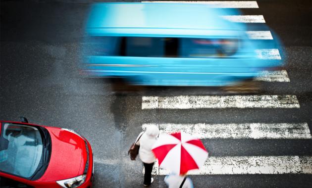 В руководстве одобрили увеличение штрафа заотказ пропустить пешехода