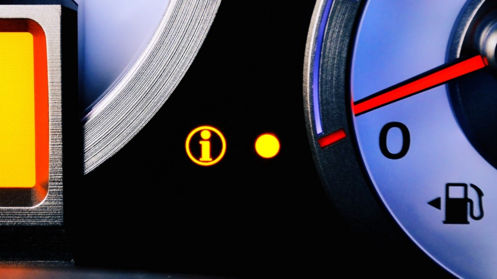 contrast image sensor fuel warning Low fuel level