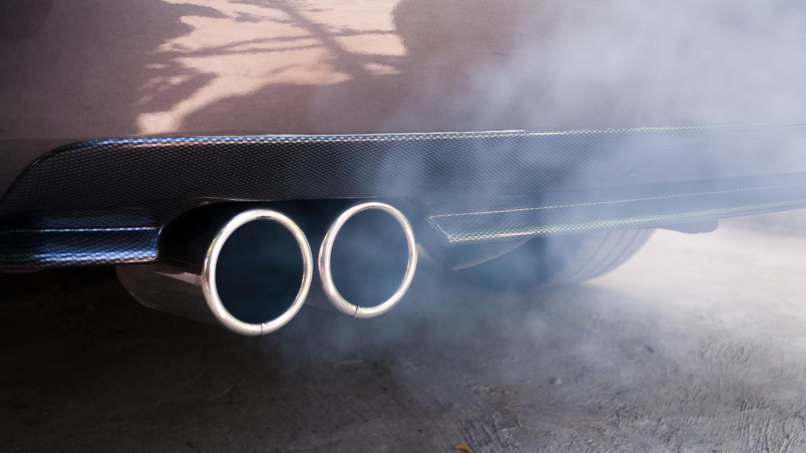 Владельцев автомобилей предупреждают о стремительном скачке цен набензин