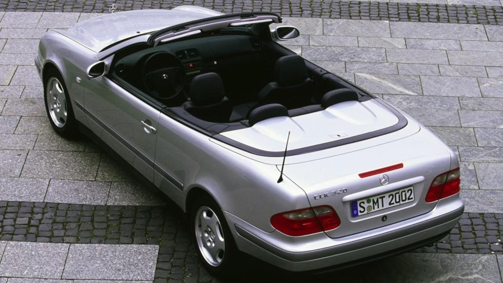 На фото: Mercedes-Benz CLK 320 Cabrio (208) '1998–2002