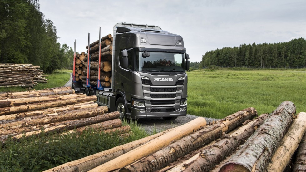 На фото: Scania R 500 6×4 Highline Timber Truck '2016–н.в.