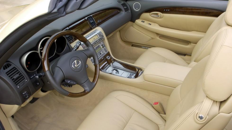 На фото: интерьер На фото: Lexus SC430 в светлом цвете
