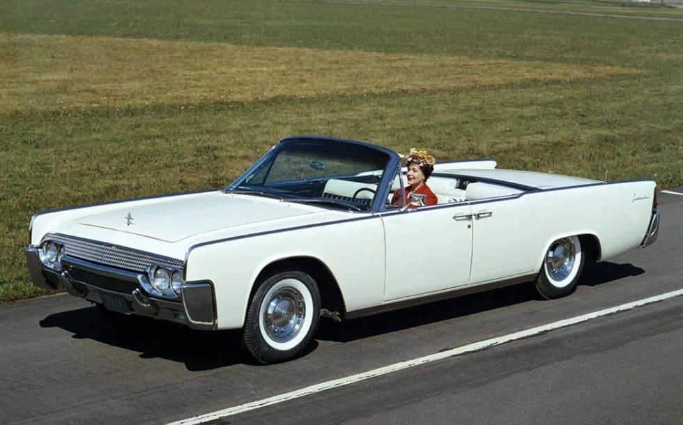 Кабриолет Lincoln Continental Convertible 1961 года, послуживший базой президентской машины