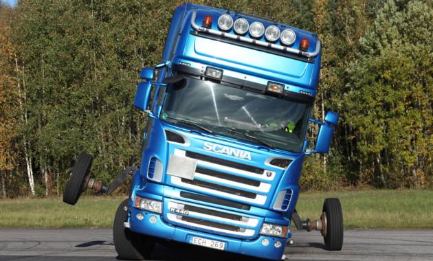 Scania рассказала об уникальных учебных курсах, моделирующих опрокидывание