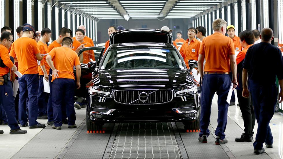 Volvo S90 на конвейере китайского завода в Дацине