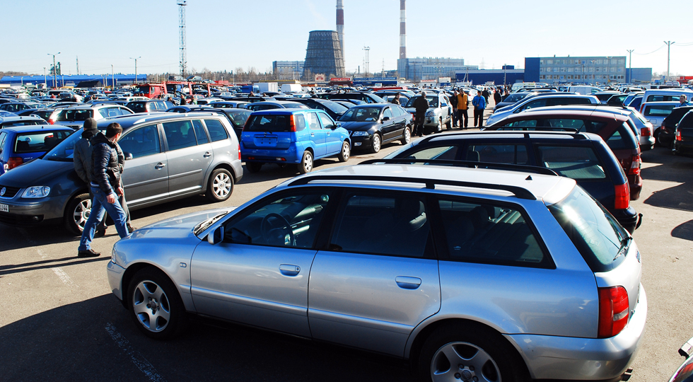 Market of second hand used cars in Kaunas city