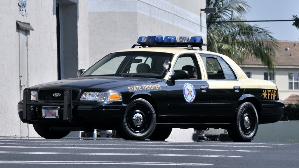 На фото: Ford Crown Victoria P71 Police Interceptor '2001–2011