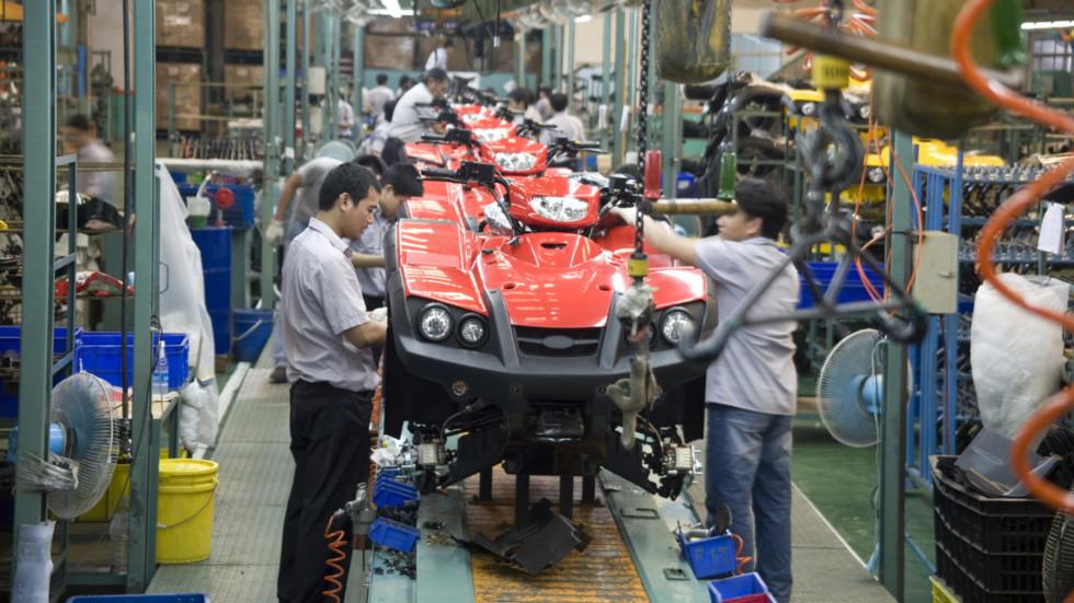 На фото: производственная линия на заводе TGB в Тайване