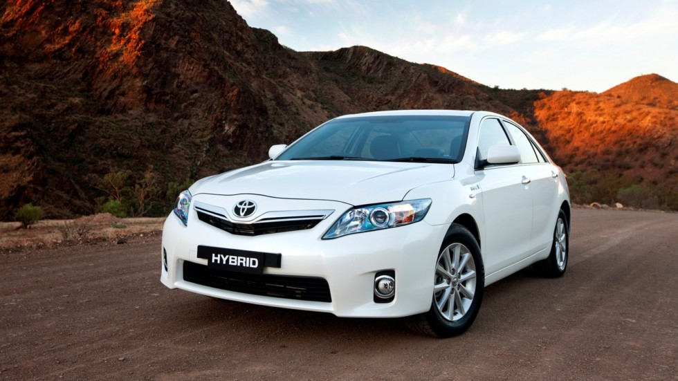 На фото: Toyota Camry Hybrid '2009–11