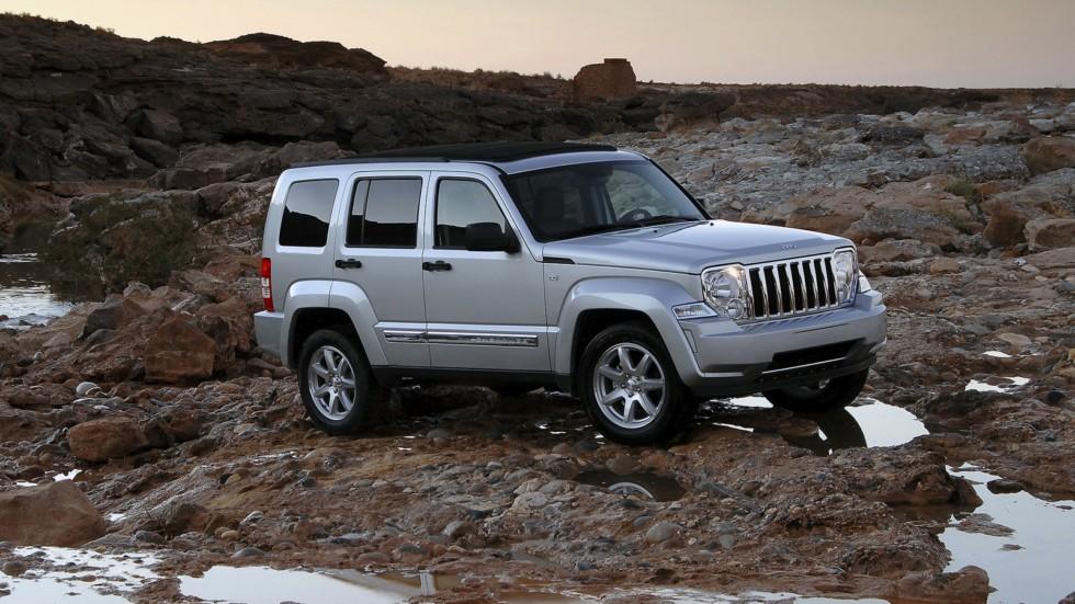 На фото: Jeep Cherokee KK