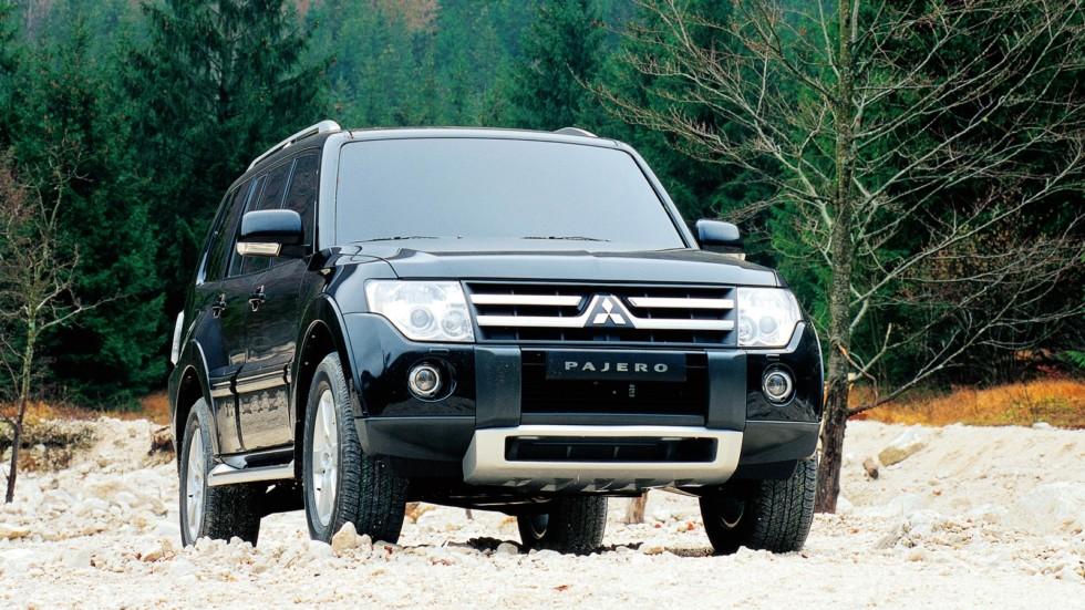 На фото: Mitsubishi Pajero IV 5-двер