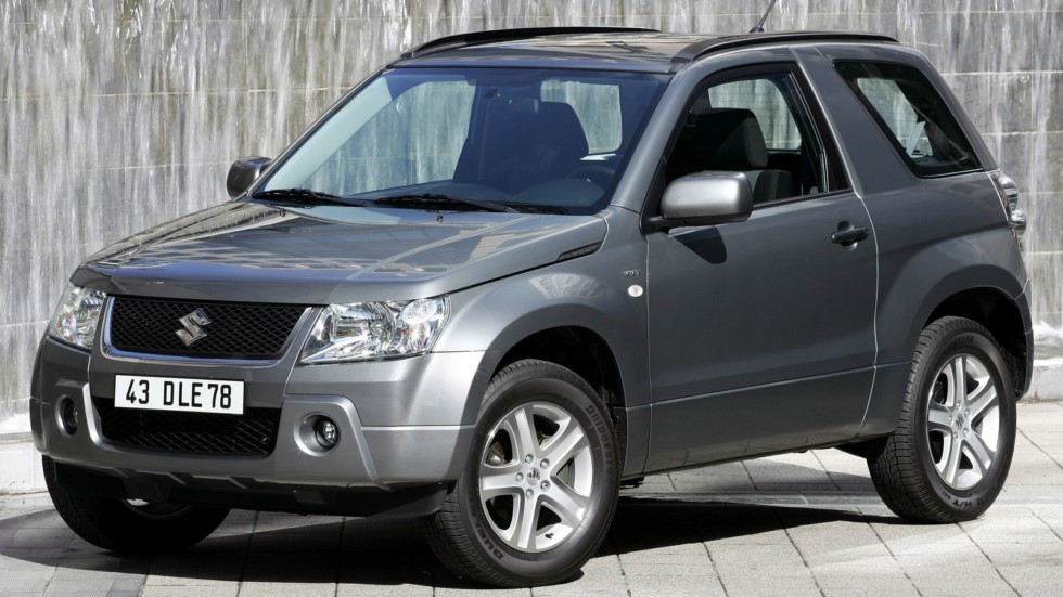 На фото: Suzuki Grand Vitara