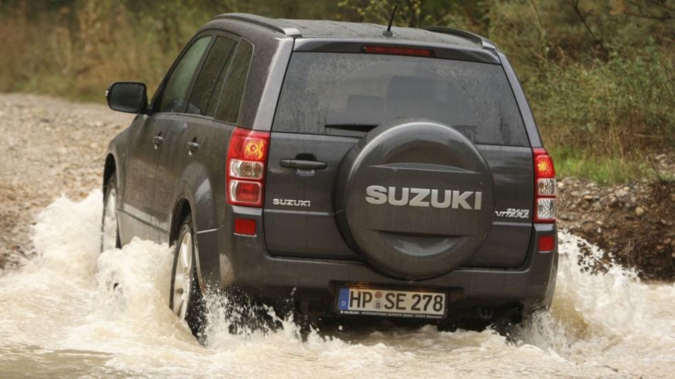 На фото: Suzuki Grand Vitara 2008