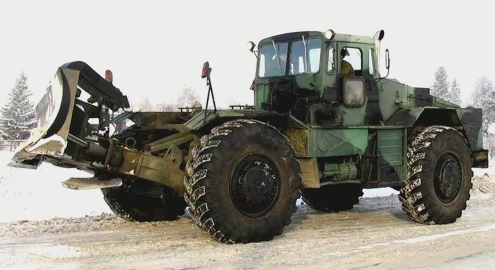 Бульдозер-тягач БКТ-2 на шасси КЗКТ-538ДП с задним прямым отвалом