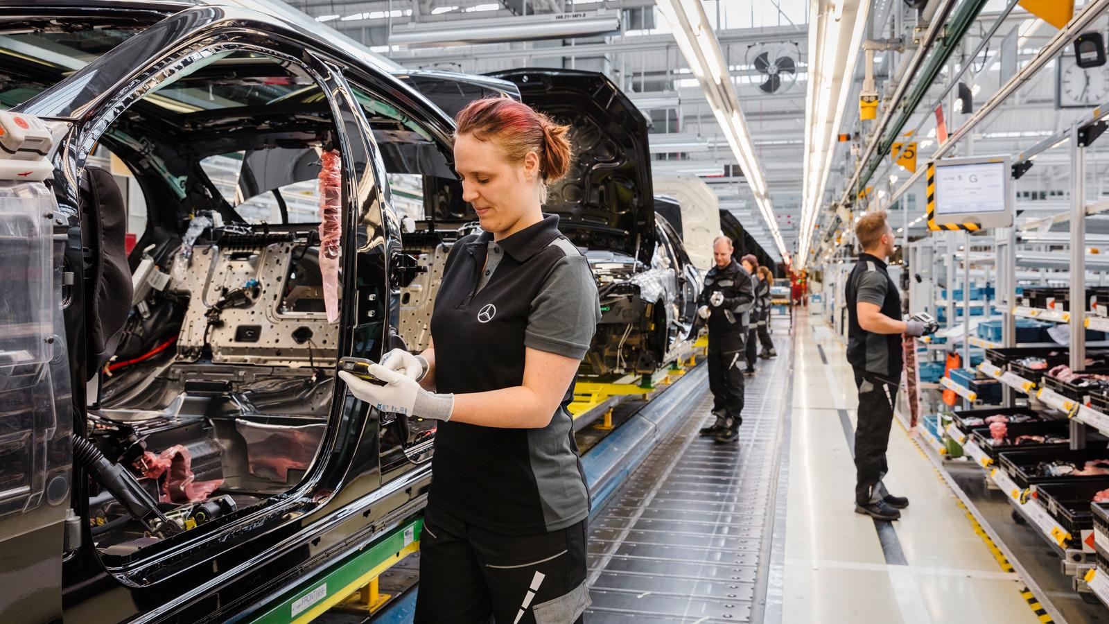 Медведев: Mercedes адекватно оценивает инвестиционную привлекательность Подмосковья