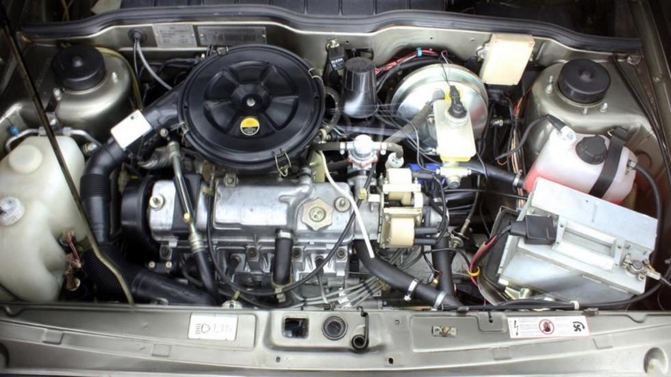Двигатель ВАЗ-21083 с установленной системой кондиционирования SANDEN. Фото: Евгений Карпунин