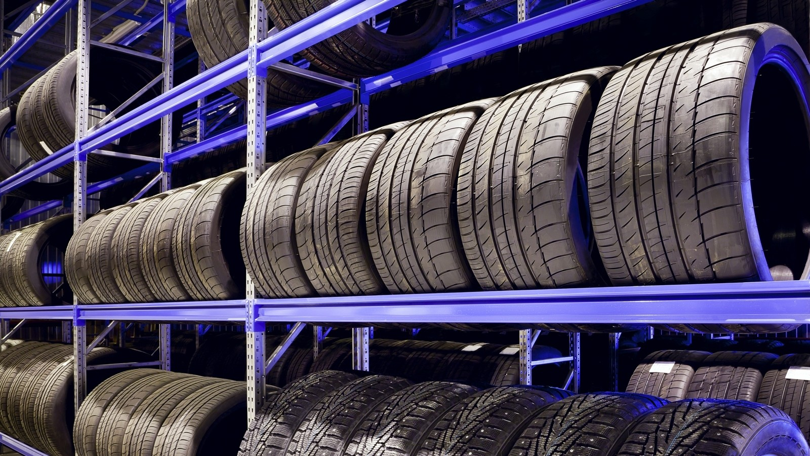 При какой температуре и в каких условиях хранить автомобильные шины