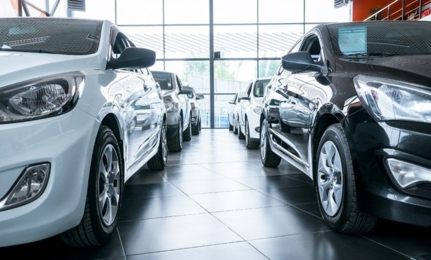 Автомобильные бренды ищут дно российского рынка