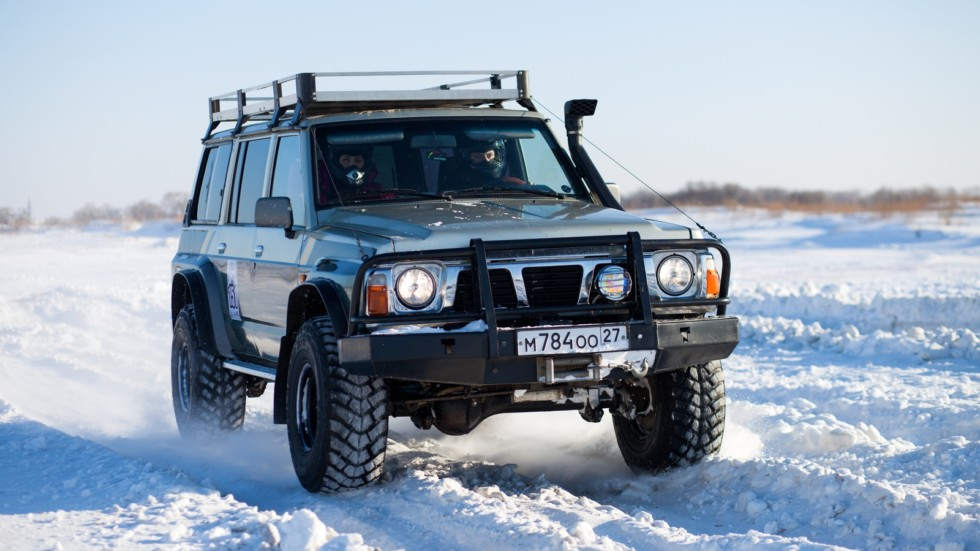 KHABAROVSK, RUSSIA - JANUARY 31, 2015: Nissan Patrol during off