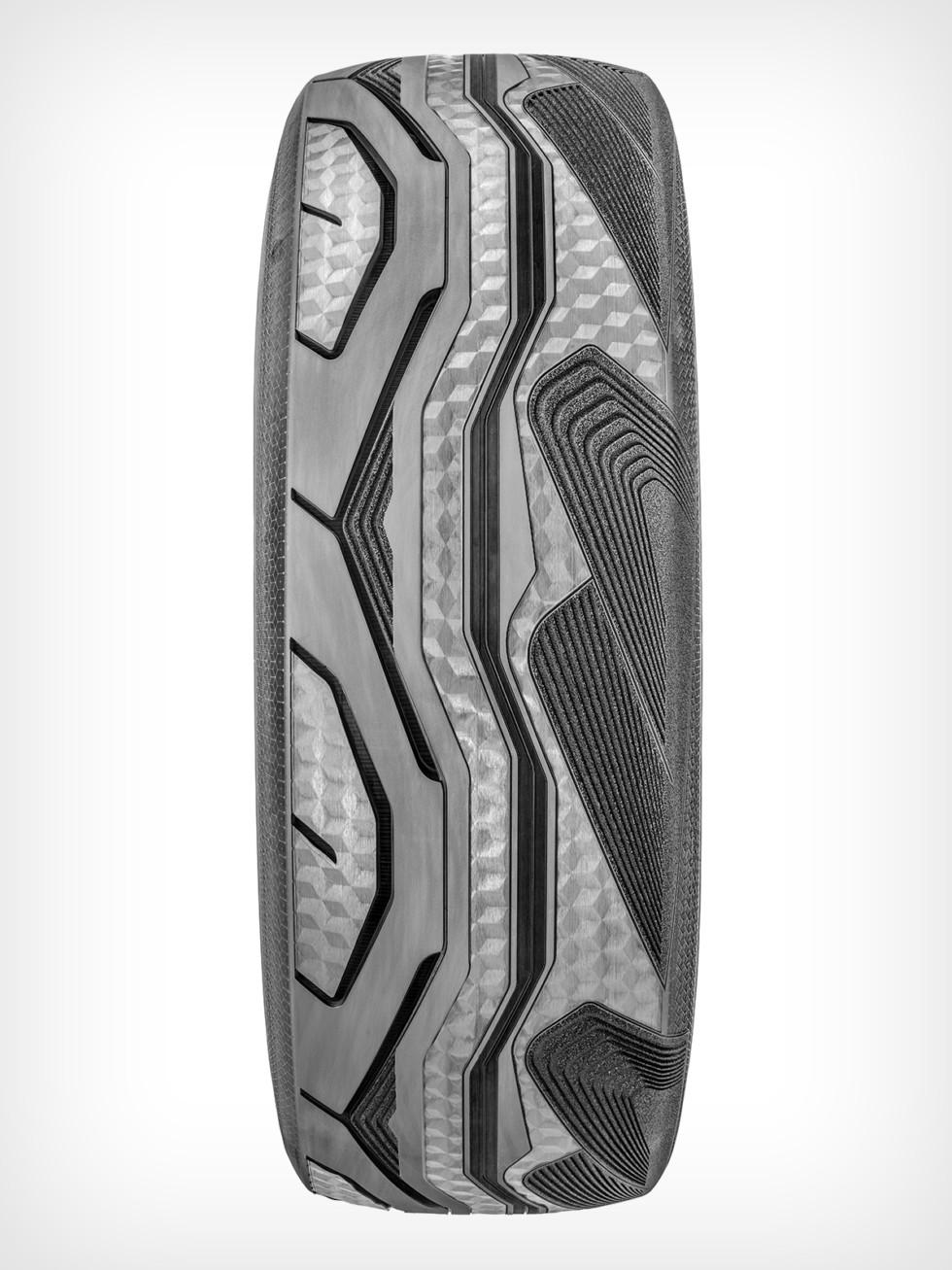 Goodyear CityCube_Rear Tire_02