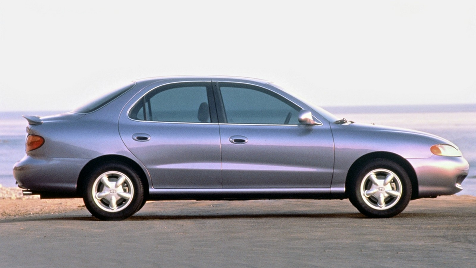 Купить бу Hyundai Elantra II J2 J3 продажа автомобилей