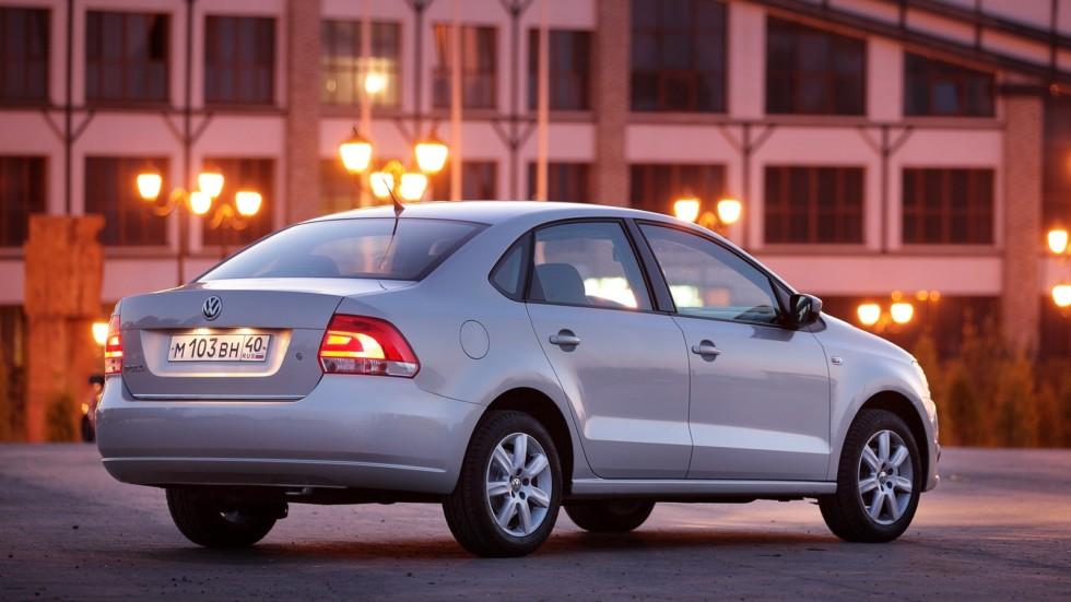 На фото: Volkswagen Polo Sedan '2010–15
