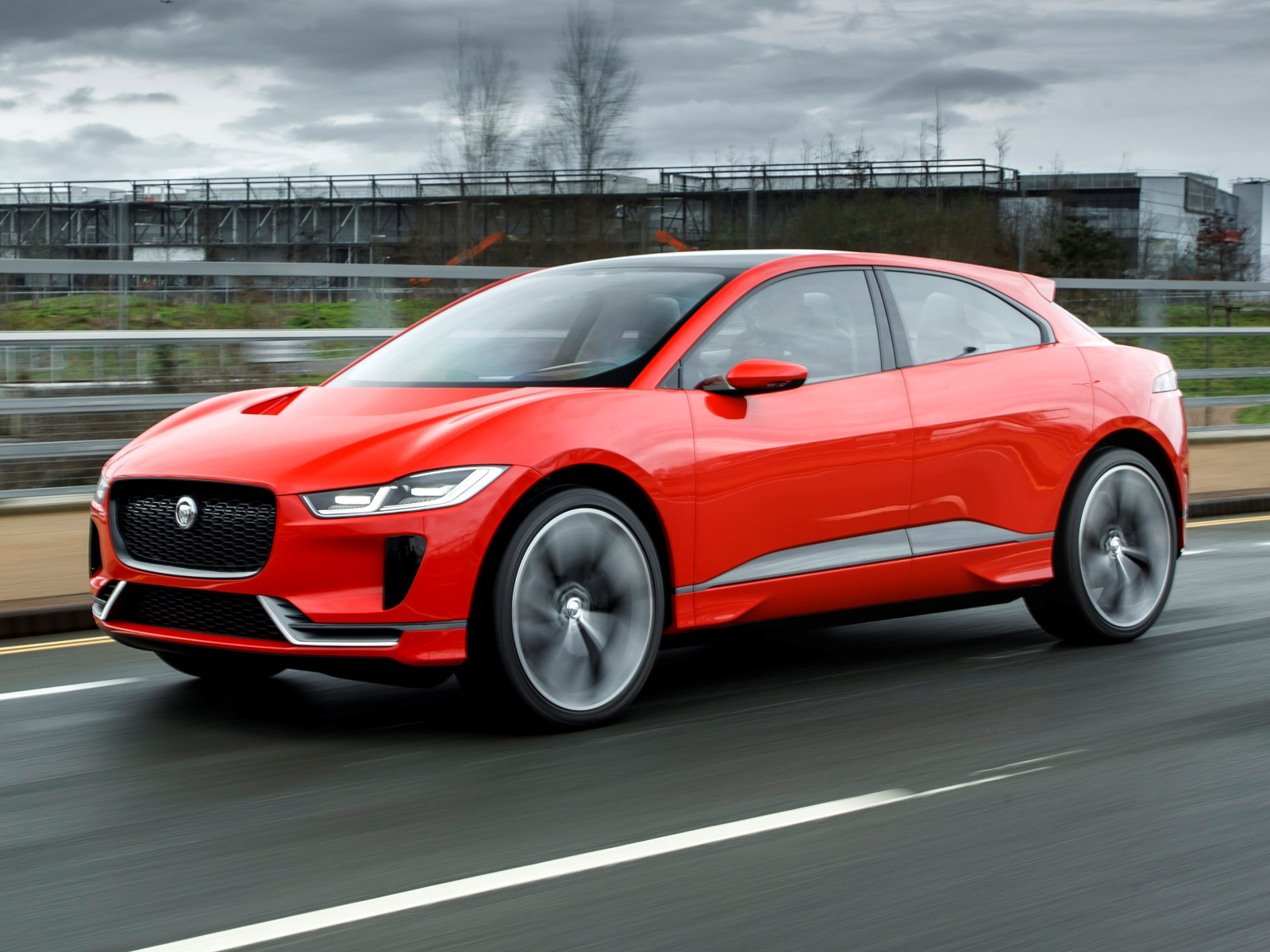 Первую машину Jaguar