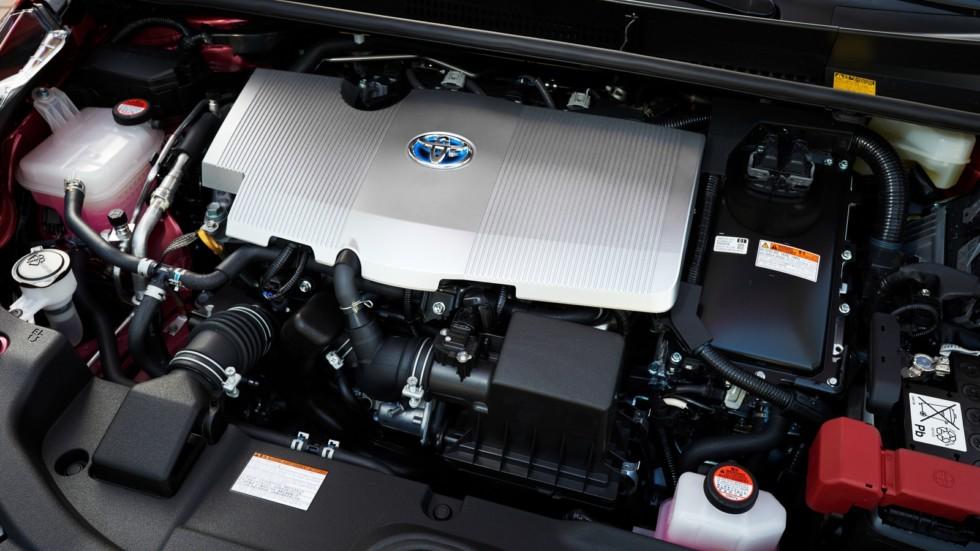 На фото: Под капотом Toyota Prius '2016–н.в.