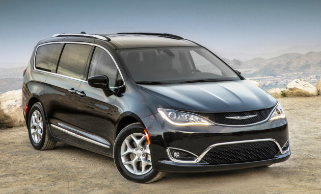 Минивэн Chrysler Pacifica доберется до РФ в конце 2017-ого года