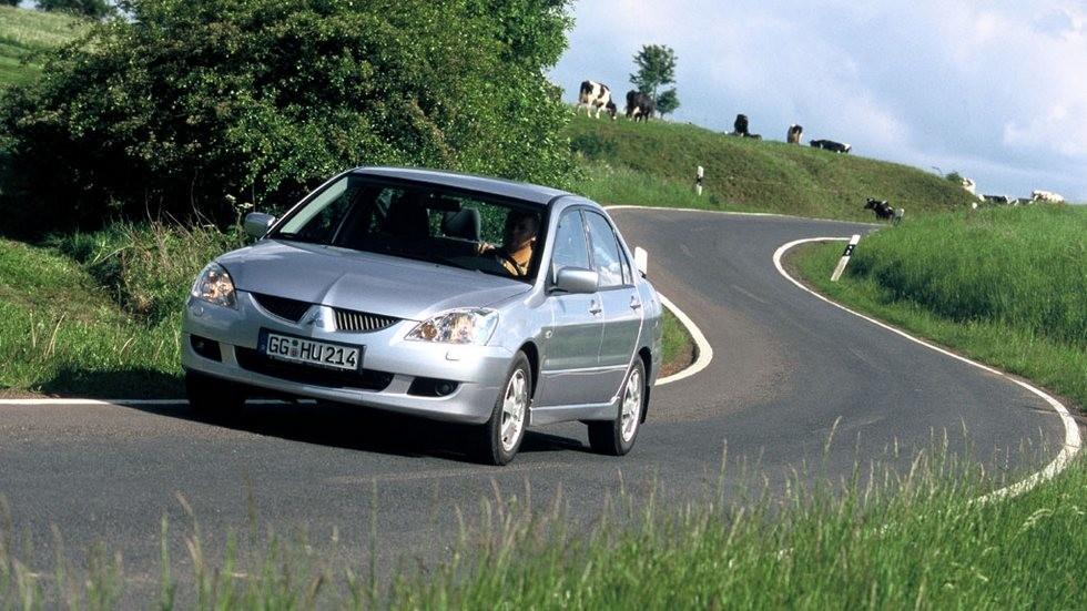 На фото: Mitsubishi Lancer '2003–2005