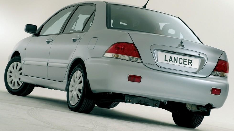 На фото: Mitsubishi Lancer '2005–2010